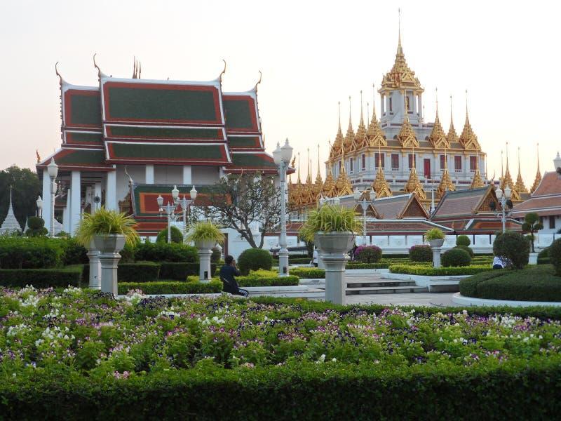 Ogrodowe parkowe fotografie w Bangkok, Tajlandia Tam są wiele ciekawi miejscami Tajlandzkimi i cudzoziemskimi turystami Przychodz zdjęcie royalty free