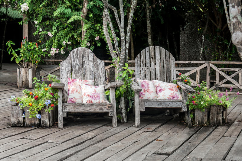 Ogrodowi benchs fotografia royalty free