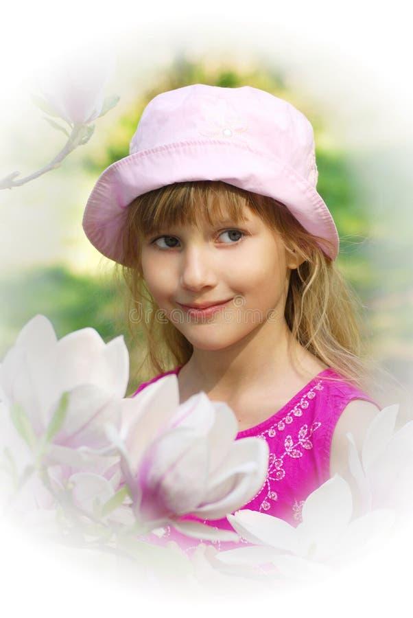 ogrodowi dziewczyny wysokości klucza wiosna potomstwa zdjęcie stock