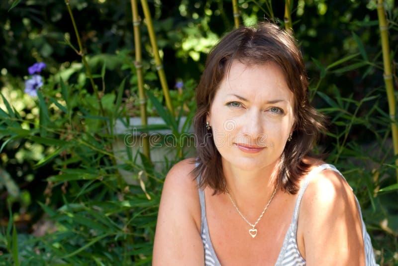 ogrodowi portreta kobiety potomstwa zdjęcia royalty free