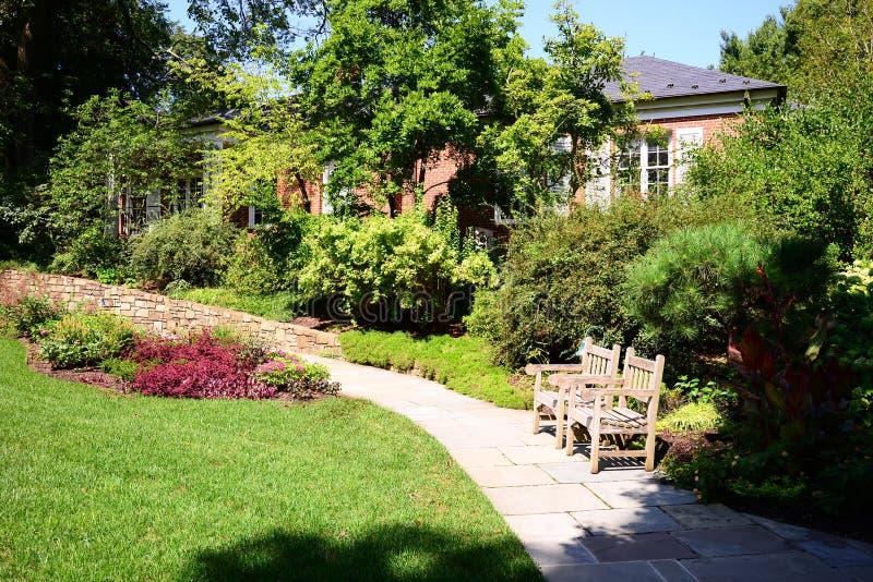 Ogrodowy podwórze przy nieruchomością, muzeum i ogródami Hillwood, zdjęcia royalty free