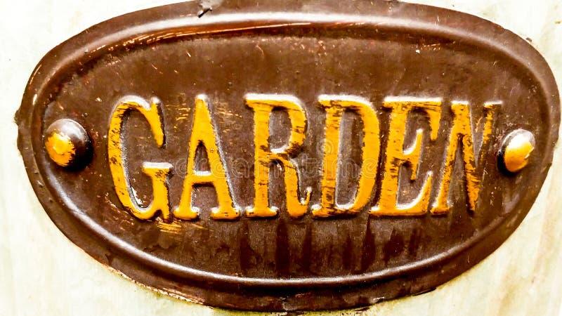 Ogrodowy znak - Brown owal z Żółtymi listami obraz royalty free
