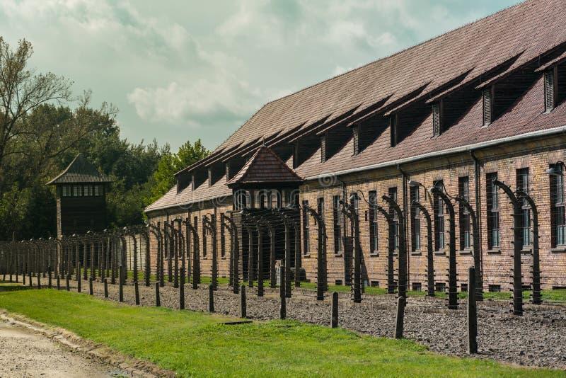 Ogrodzenia i koszarują przy Nazistowskim koncentracyjnym obozem Auschwitz w Oswiecim, Polska, UNESCO światowe dziedzictwo zdjęcia royalty free
