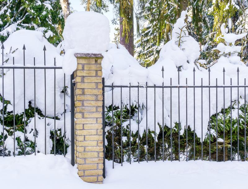 Ogrodzenie w zimie zdjęcie stock