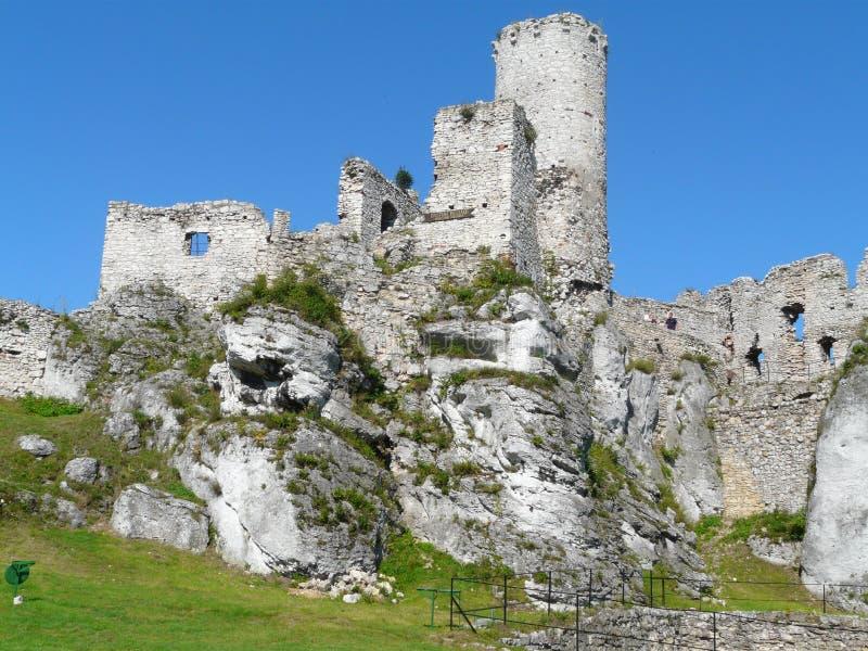 OGRODZIENIEC, SILESIA POLONIA - ruinas del castillo Ogrodzieniec fotos de archivo libres de regalías
