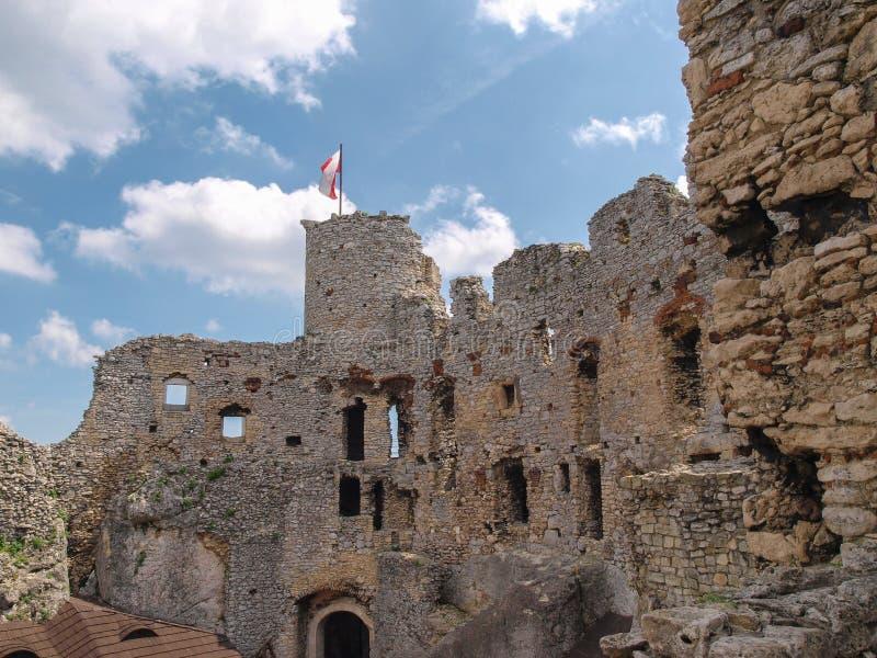 Ogrodzienieckasteel een geruïneerd middeleeuws kasteel in Polen royalty-vrije stock foto