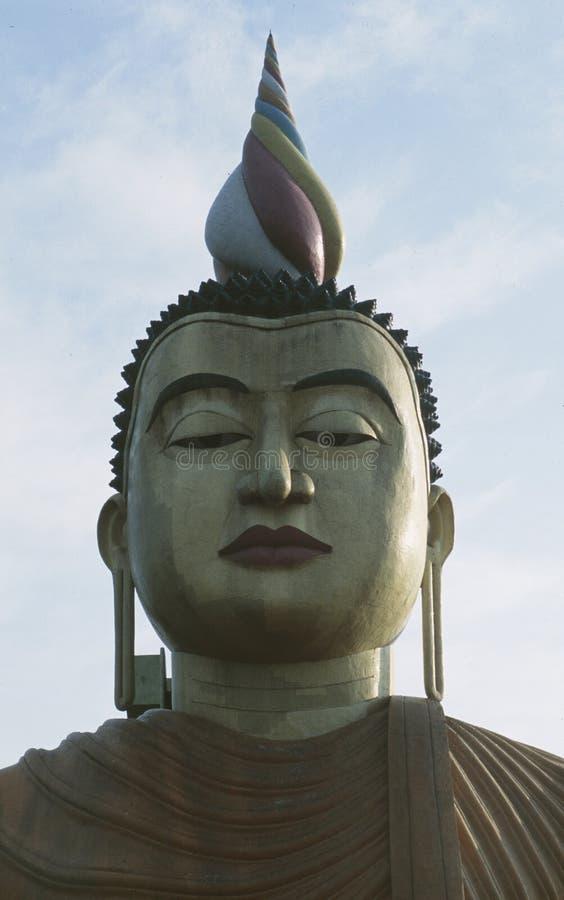 Ogromna buddhists statua przy monastry Mulkirigala zdjęcie royalty free