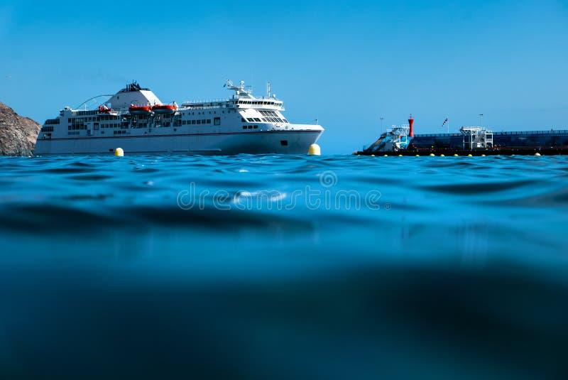 Ogromny ferryboat na Tenerife fotografia royalty free