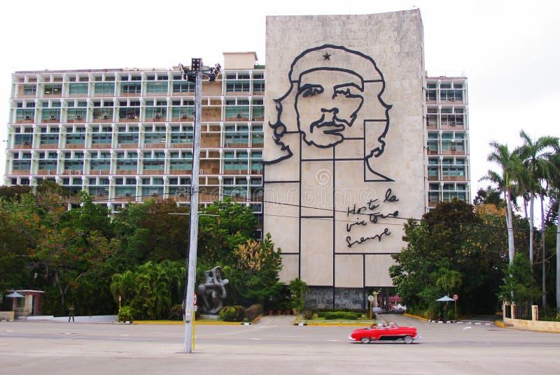 Ogromny wizerunek Che Guevara w Placu De Los angeles Revolucion zdjęcie royalty free