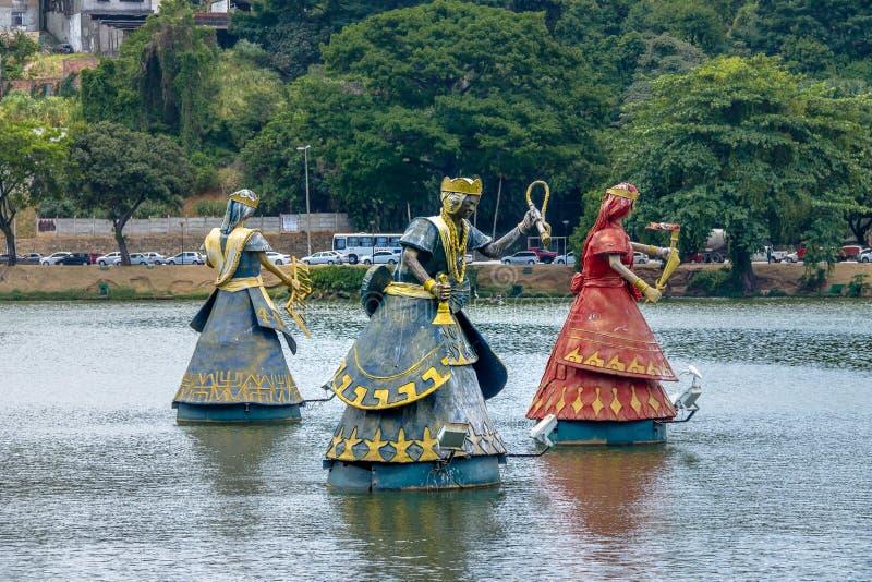 Ogum, Nana und Statuen Iansa Orixas von traditionellen afrikanischen Heiligen Candomble in Dique tun Tororo - Salvador, Bahia, Br stockfoto