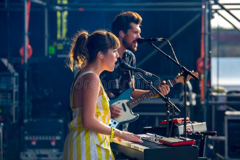 Oh cudu wystrzału zespół wykonuje w koncercie przy Dcode festiwalem muzyki obraz stock