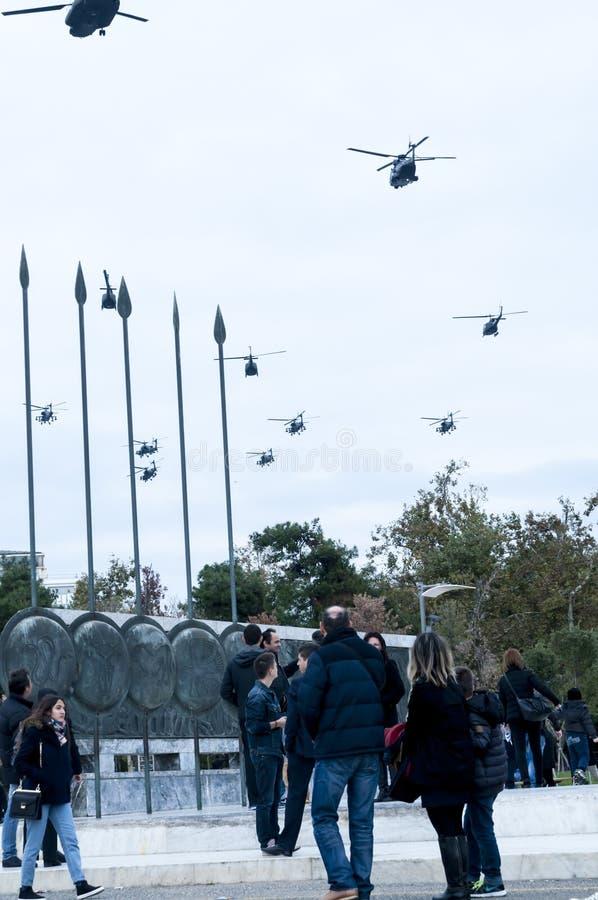 Ohi Day-parade van lucht militaire technologie in Thessaloniki stock afbeeldingen