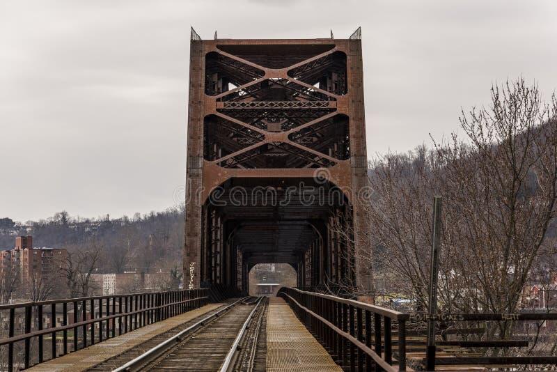 Ohio River bro - Weirton, West Virginia och Steubenville, Ohio arkivfoton
