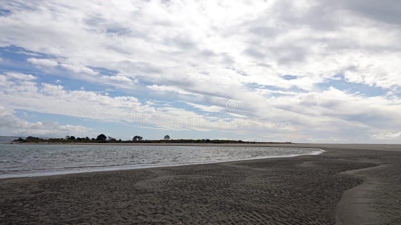 Ohiwa od Ohope plaży w Whakatane, Nowa Zelandia zdjęcia royalty free