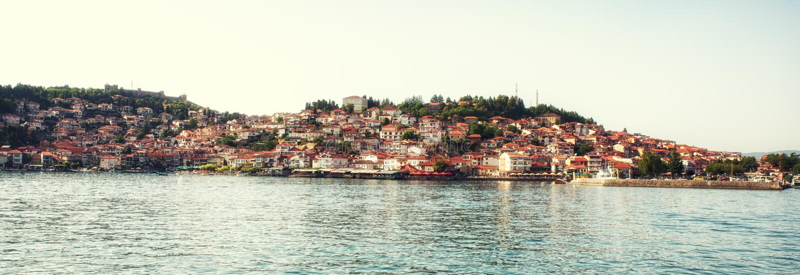 Ohrid stary miasteczko z Ohrid jeziorem, Macedonia - panorama zdjęcie stock