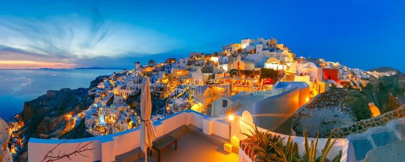 Oia全景日落的,圣托里尼,希腊 免版税库存图片