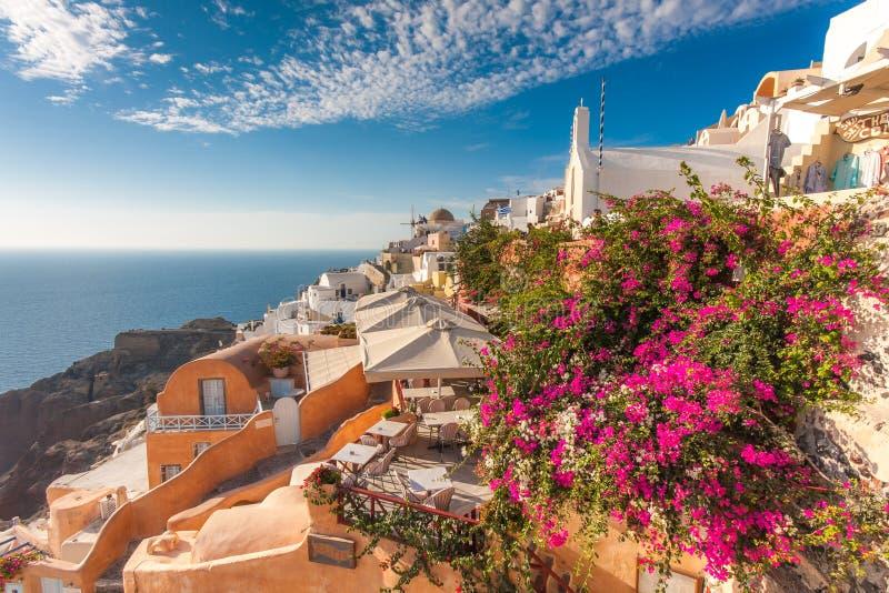 Oia经典日落在圣托里尼希腊 免版税图库摄影