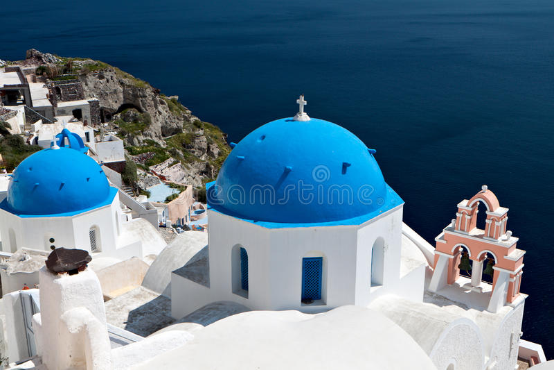 oia νησιών της Ελλάδας εκκλησιών santorini στοκ εικόνες με δικαίωμα ελεύθερης χρήσης