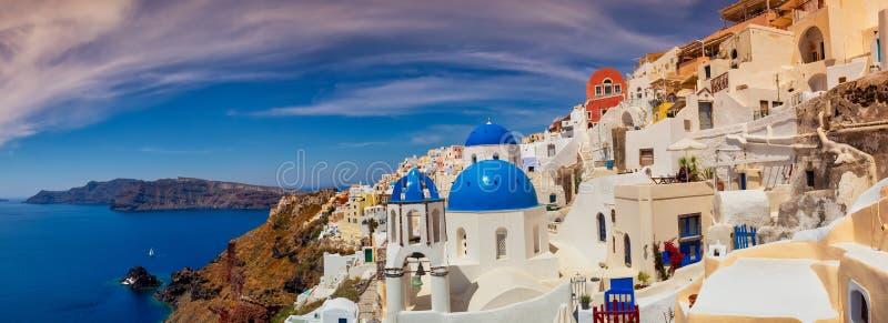 Oia dorp in eiland Santorini in Griekenland royalty-vrije stock foto