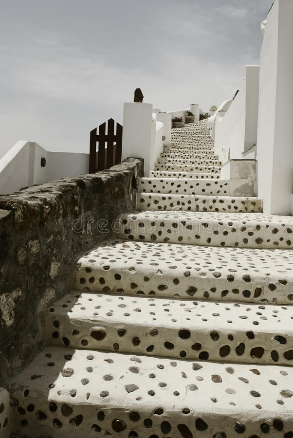 Oia, Santorini op een zonnige dag royalty-vrije stock afbeelding