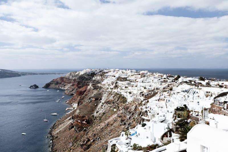 Oia stad op Santorini-eiland, Griekenland Weergeven van traditionele witte huizen, selectieve nadruk stock foto