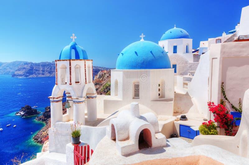 Oia stad på den Santorini ön, Grekland aegean hav arkivbilder