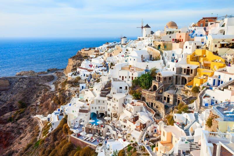 Oia stad in santorini stock foto