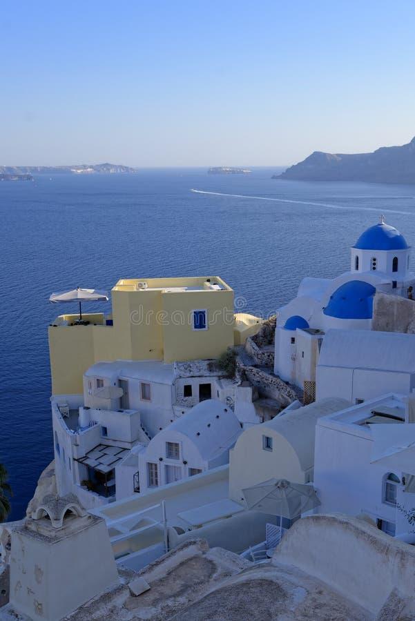 Oia-Stadt auf Santorini-Insel lizenzfreie stockbilder