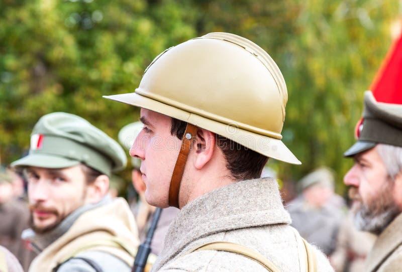 Oidentifierade medlemmar av den historiska reenactmentstriden arkivfoton