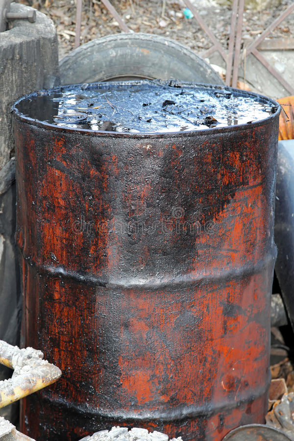 Free Oil Barrel Royalty Free Stock Photo - 25037975