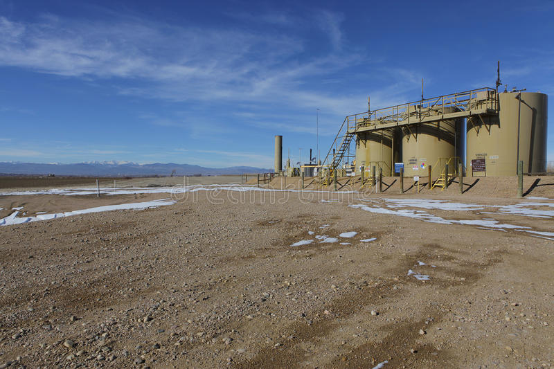 Download Oil Fracking Rig Close To A Home In Colorado's Farmland. Editorial Photo - Image: 28684006