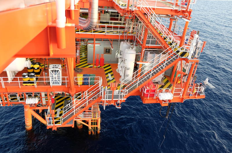 Oil and gas platform in the gulf . royalty free stock images