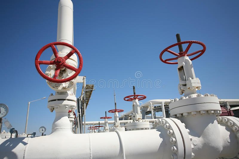Oil and gas processing plant with pipe line va royalty free stock photography