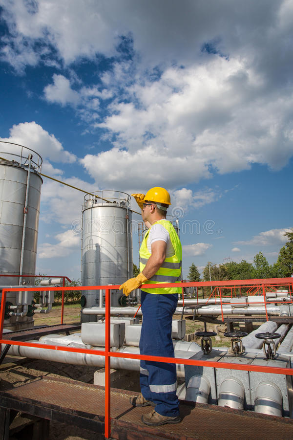 Download Oil And Gas Production Operator Stock Photo - Image: 32358904