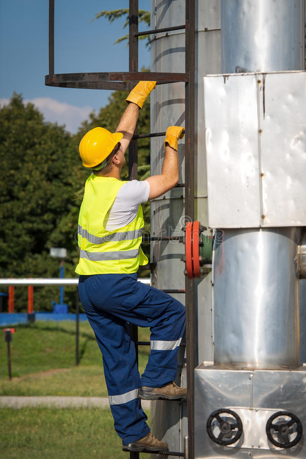 Download Oil And Gas Production Operator Stock Photo - Image: 32367478