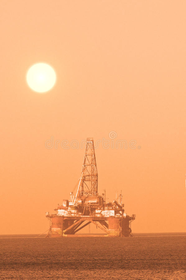 Download Oil Platform Royalty Free Stock Photography - Image: 10537047