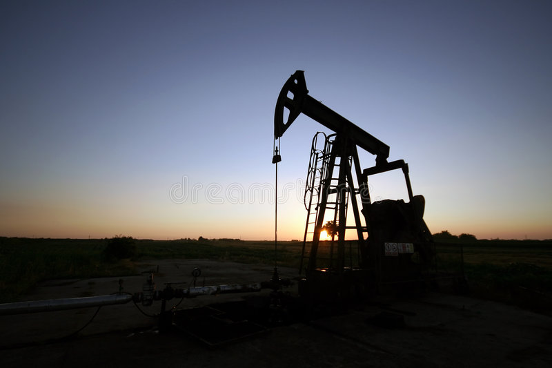 Download Oil Pump Royalty Free Stock Photos - Image: 5698488