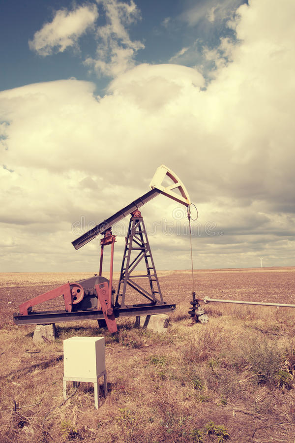 Download Oil pump, cloudy sky stock photo. Image of fuel, money - 35549732
