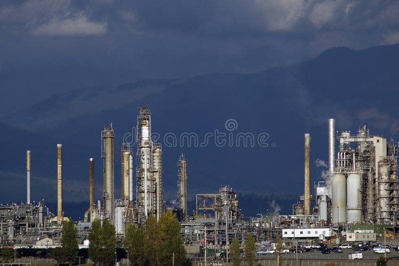 Oil refinery. American oil refinery in Anacortes, WA royalty free stock photos