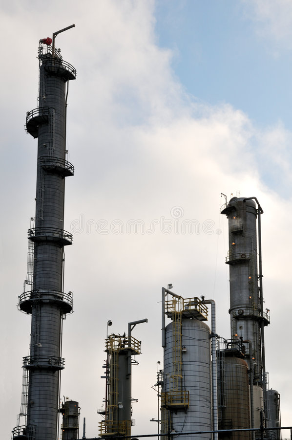 Free Oil Refinery IV Royalty Free Stock Image - 5580866
