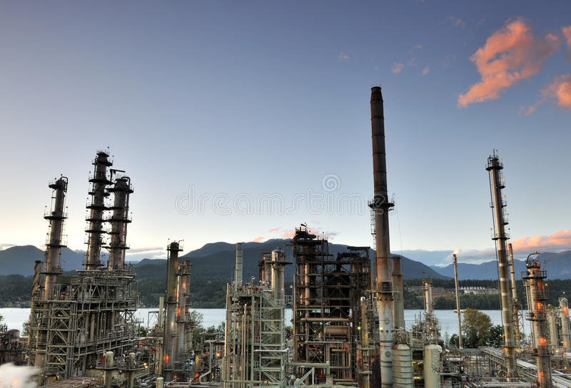 Oil refinery at night, Burnaby. British Columbia, Canada stock photography