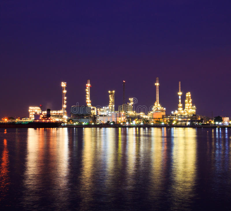 Download Oil Refinery Royalty Free Stock Photography - Image: 34942177