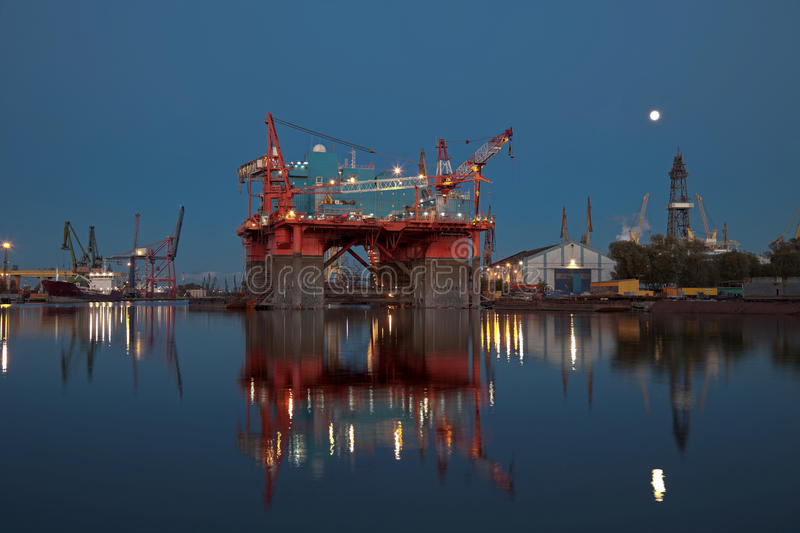 Oil Rig At Night Royalty Free Stock Image
