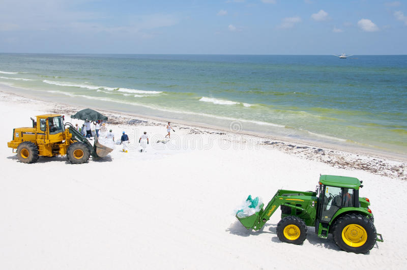Download Oil Washes Ashore In Pensacola Beach Editorial Stock Image - Image: 14860049