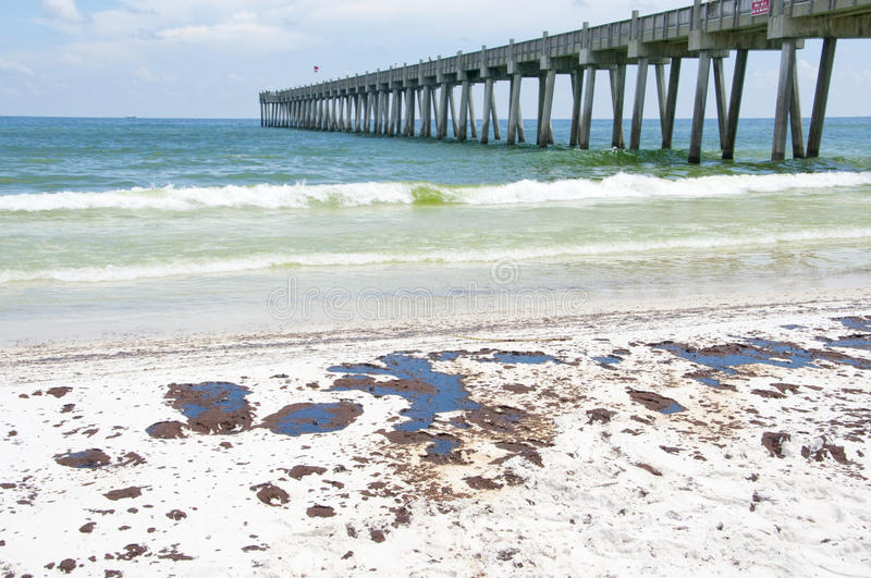 Download Oil Washes Ashore In Pensacola Beach Editorial Image - Image of coast, nature: 14860105