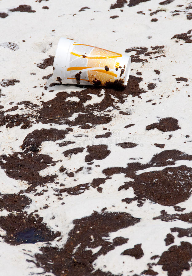 Download Oil Washes Ashore In Pensacola Beach Editorial Photography - Image: 14860137