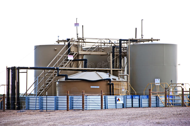Download Oil And Water Storage At An Oil Well Location Stock Image - Image: 21306317