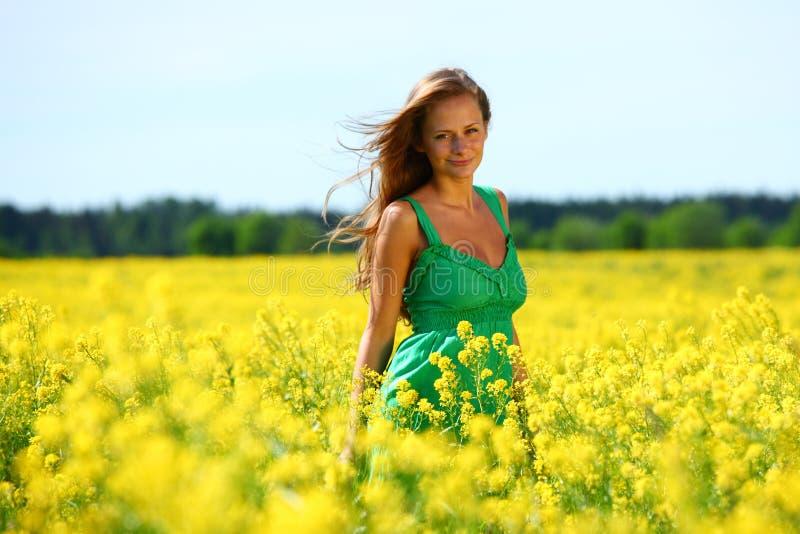 oilseed śródpolna kobieta obrazy stock