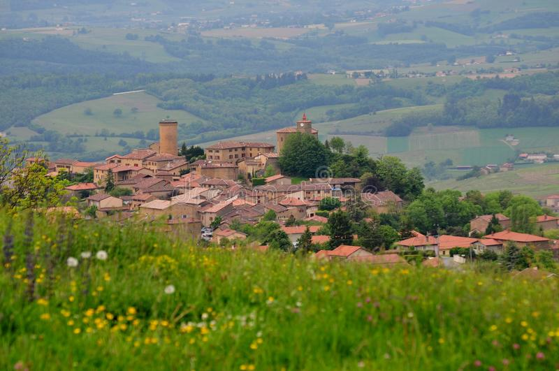 Oingt -村庄看法在法国 库存照片