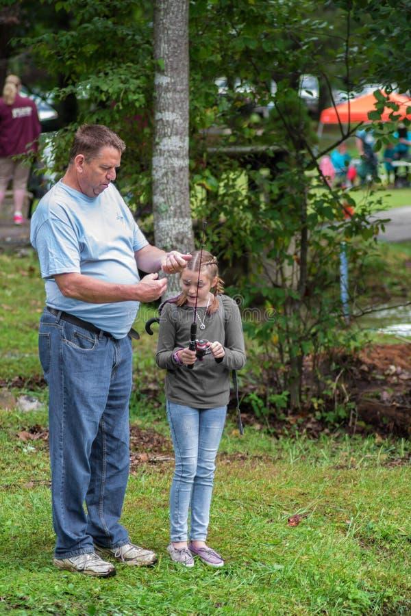 Ojca i córki Pstrągowy połów obrazy royalty free